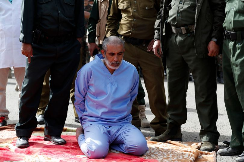 Man Executed Publicly In Yemen After Murdering His 3 Daughters [Pics]