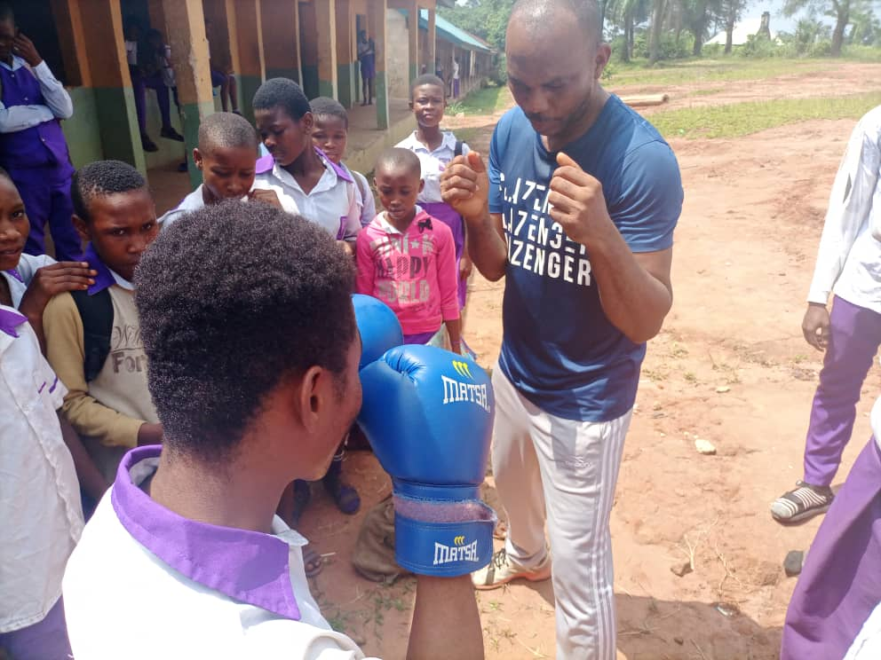 Grassroot Boxing Talent: Former Heavy Weight Boxing Champion Applauds Ex Int'l Boxer