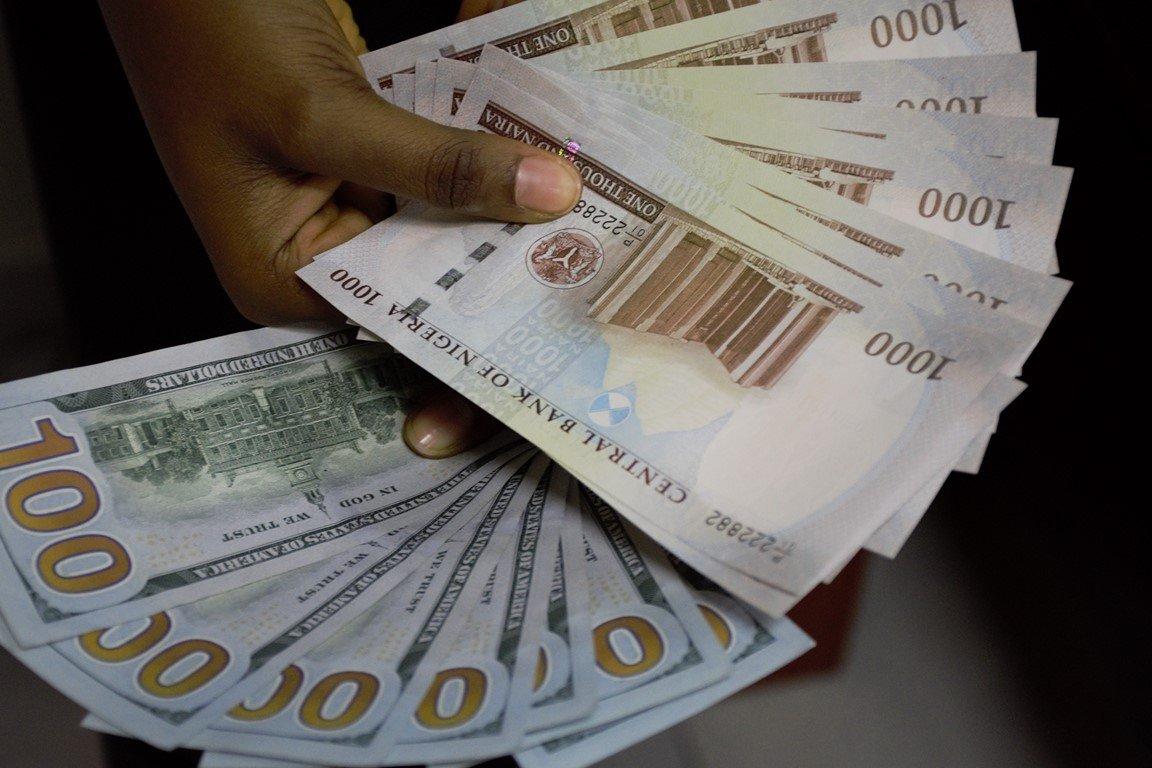 Naira exchange goes At 580 per dollar