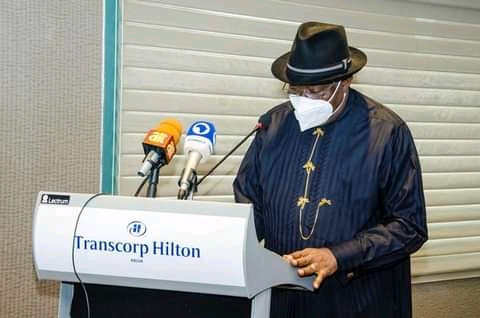 Goodluck Jonathan Presents Report On Banditry And Terrorism In Nigeria