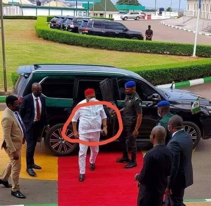 Enugu Government House Security Stops Uzodimma From Bringing Weapons Into S'East Meeting.