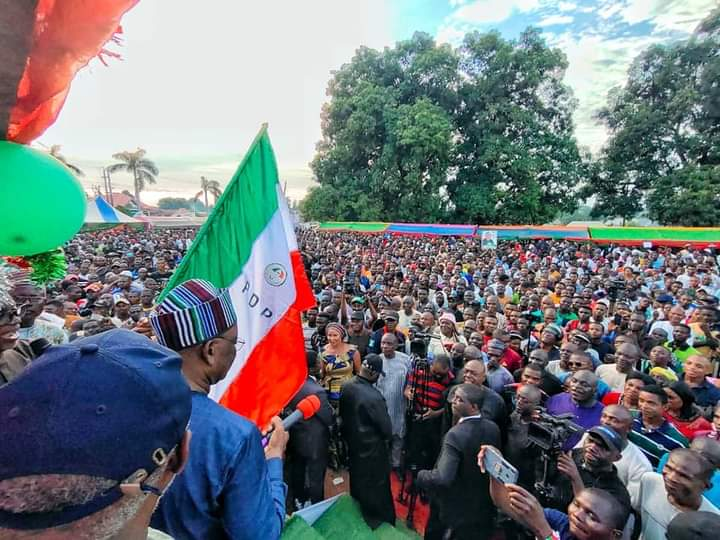 2023: Thousands Dump APC For PDP In Benue
