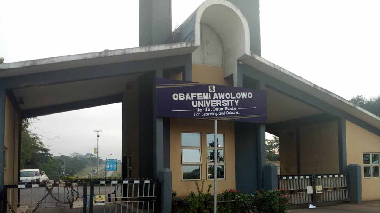 OAU Students Protests Over Death Of Final Year Female Student