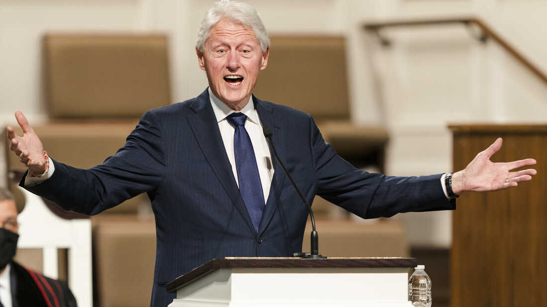 Bill Clinton, Ex US president, hospitalised for infection