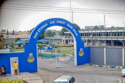 Nigerian Air Force Vehicle Illegally Using BRT Lane Kills Young Artist In Lagos