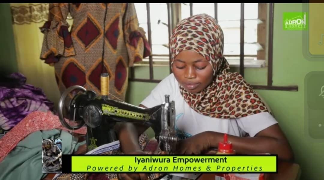 Jubilation As Iyaniwura Foundation Distrubutes Empowerment Materials To Artisans In Ogun